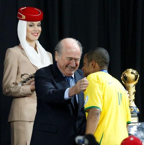 Emirates, patrocinadora oficial da FIFA, inaugura serviços na África do Sul