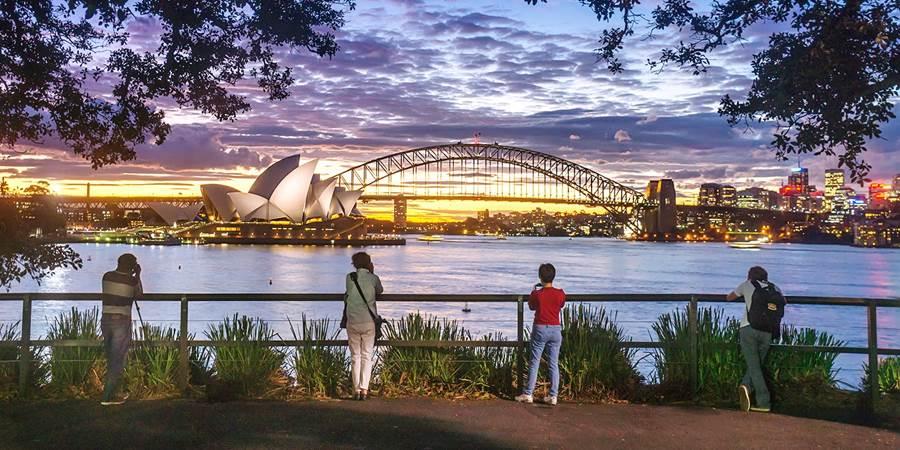 Australia tourist guide