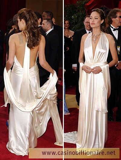 Looks de Angelina Jolie no Oscar